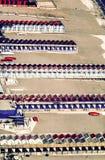当游人是awa时,在Amalfitana靠岸在淡季的意大利 免版税图库摄影