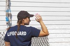 当班救生员的女孩 库存图片