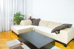 当代空间开会 风格化客厅 免版税库存照片