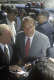 当他遇见人在集会在寺庙基督徒, 1996年竞选的共和党总统候选人,鲍勃・多尔参议员微笑 库存图片