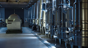 当代酿酒厂的设备 免版税库存图片