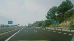 录影镜头驾驶在一条高速公路在西班牙 股票视频