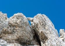 形成一个石窗口的岩石 免版税库存照片