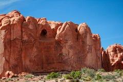 洞形成拱门国家公园 免版税库存照片