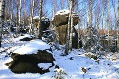 形成石灰岩地区常见的地形山波兰stolowe 免版税库存照片