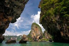 形成石灰岩地区常见的地形krabi 免版税库存图片