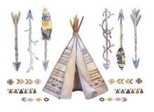 水彩圆锥形帐蓬、箭头、fearhers和印第安战斧 Boho美国 图库摄影
