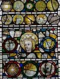 彩色玻璃在圣约翰7的教堂B关闭 免版税库存照片