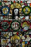 彩色玻璃在圣约翰3的教堂B关闭 库存图片