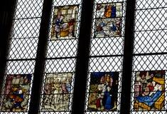 彩色玻璃在埃克塞特大教堂,圣母堂南窗口B里 免版税库存照片