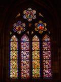彩色玻璃教会窗口-利昂 免版税库存图片