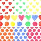 水彩色的心脏,圆点 无缝的婴孩 免版税库存照片