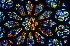 彩色玻璃圆花窗 免版税库存图片
