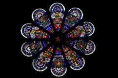 彩色玻璃圆花窗 库存照片