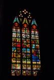 彩色玻璃在窗口里 内部宽容大教堂 马尼拉菲律宾 库存照片