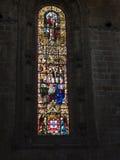 彩色玻璃在Jeronimos修道院里在里斯本葡萄牙 免版税库存照片