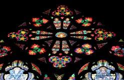 彩色玻璃在Votiv Kirche奉献的教会在维也纳 图库摄影