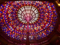 彩色玻璃天花板 免版税库存图片