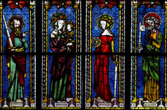 彩色玻璃窗在弗莱堡,德国大教堂里  免版税图库摄影