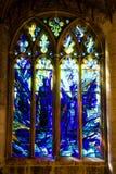 彩色玻璃窗在格洛斯特大教堂里 库存图片