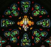 彩色玻璃-上帝在天堂 免版税库存照片