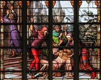 彩色玻璃-反犹太人的彩色玻璃在布鲁塞尔大教堂里 库存照片