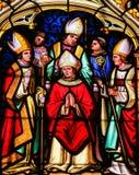 彩色玻璃-圣徒强健在巴约大教堂里  图库摄影
