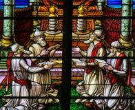 彩色玻璃-敬上帝的犹太教教士 免版税库存照片
