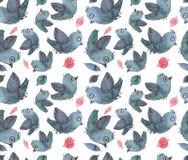 水彩蓝色鸟和桃红色叶子重复样式 免版税库存照片