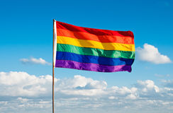 彩虹同性恋自豪日旗子,迈阿密海滩,佛罗里达 免版税图库摄影