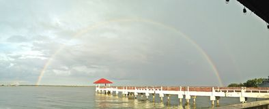 彩虹在曼谷,泰国 免版税库存图片