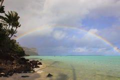 彩虹在波里尼西亚 库存图片