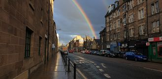 彩虹在爱丁堡 免版税库存图片
