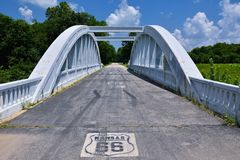 彩虹曲线桥梁在堪萨斯 库存照片