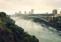 彩虹桥,尼亚加拉大瀑布峡谷 免版税库存照片