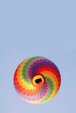 彩虹热空气气球 库存图片