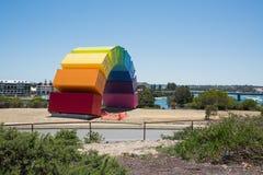 彩虹由天鹅河的海容器 库存照片