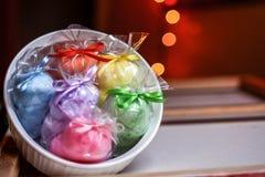 彩虹被填装的碗 免版税图库摄影