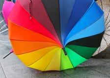 彩虹遮阳伞 库存图片