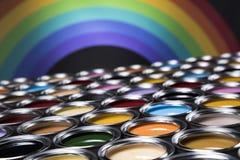 彩虹颜色,开放罐头油漆 免版税库存照片