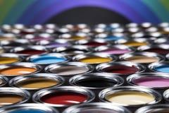 彩虹颜色,开放罐头油漆 免版税库存图片