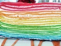 彩虹绉纱蛋糕 库存照片