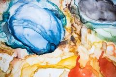 水彩调色板 靛蓝,红色,黄色,黄色橡木 的关闭和ma 免版税图库摄影