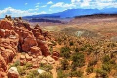 彩绘沙漠火热的熔炉拱门国家公园默阿布犹他 库存图片
