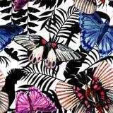 水彩蝴蝶图案、鹦鹉和热带植物 库存照片