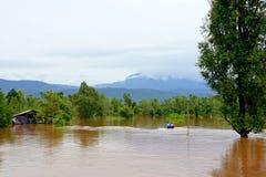 彭世洛,泰国9月16,2017 :由红色tur的暴洪 免版税库存照片