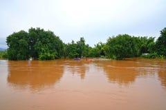 彭世洛,泰国9月16,2017 :由红色tur的暴洪 库存图片