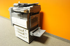 影印机在办公室 免版税图库摄影