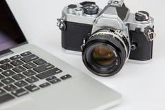 影片照相机和膝上型计算机 库存照片