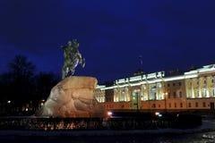 彼得古铜色雕象伟大在马 免版税库存照片